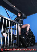 Rubber Maid Anastasia in the dungeon